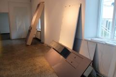 Alle festen Möbel wurden bis auf Weiteres zurückgebaut