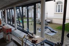 08_2017_03_29_neue Rahmen fuer die Glasfassade zum Hof (3)