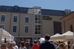 esm1_Strahlendes Wetter sorgte für gute Stimmung auf dem Markt für Kunsthandwerk und dem Museumsfest